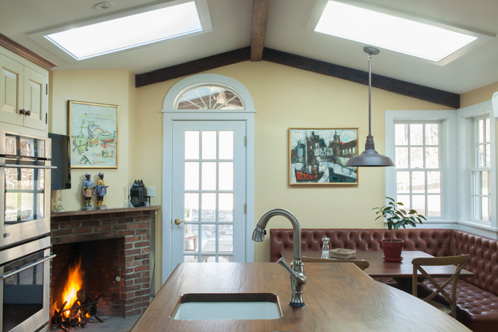 fireplace-kitchen-skylights