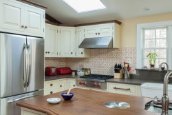 kitchen-apron-sink-skylight
