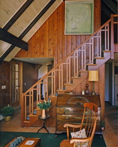 detailed-wood-stair